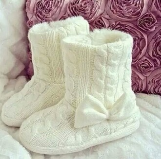 shoes boots comfy fashion knits white winter outfits
