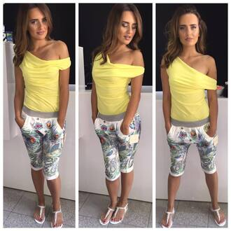 shorts summer short shorts multicolor sneakers skiny shirt yellow off the sholder yellow shirt