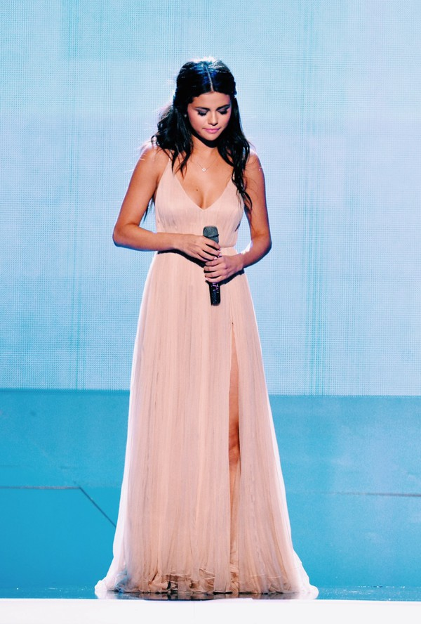 dress, light pink, valentino, amas 2014, performance, the heart ...