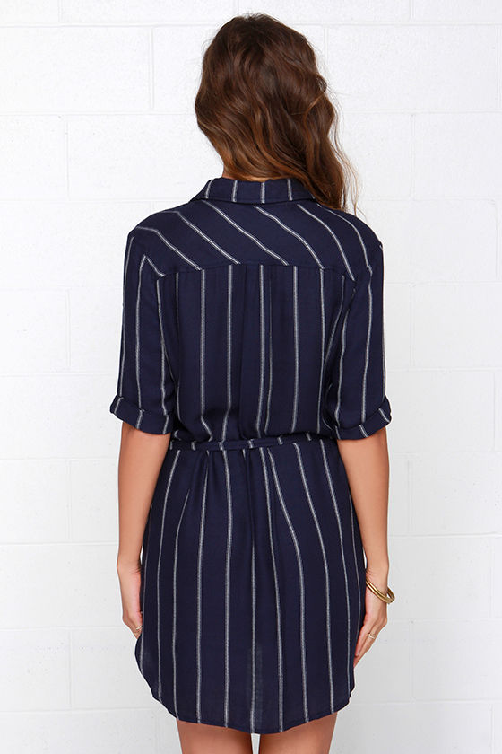 Collar in the lines navy blue striped shirt dress