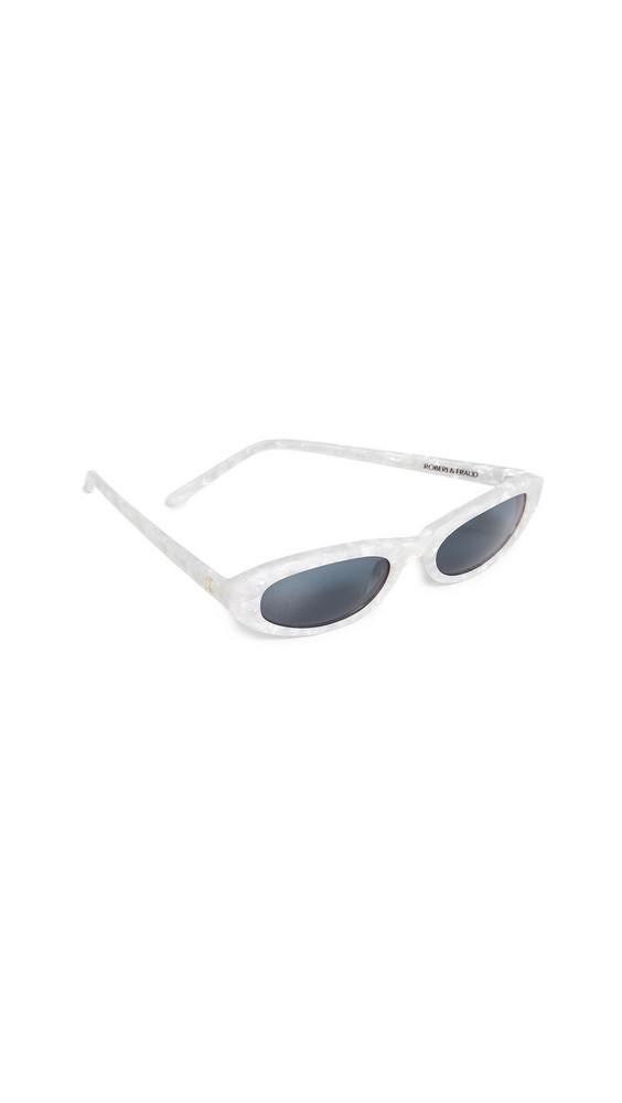 Roberi & Fraud Baby Betty Sunglasses in white
