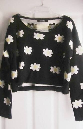 sweater flowers crop tops cropped cute floral black white daisy clothes tumblr clothes tumblr yellow dasiy multiple flowers cropped sweater blouse florals top white crop tops