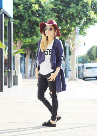 love joo kim blogger maternity black ripped jeans floppy hat
