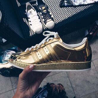 shoes sneakers boots gold adidas superstar style gold adidas trill metallic shoes adidas shoes adidas superstars adidas originals adidas sweater abercrombie & fitch holographic hollister gold dress gold sequins gold ring gold chain gold jewelry