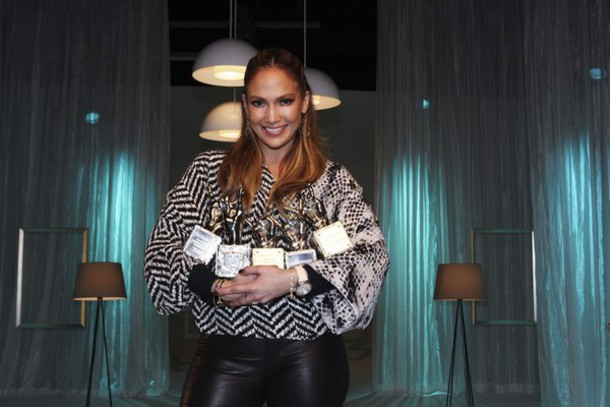 jennifer lopez chevron oversized top