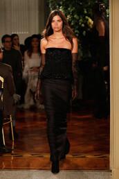 dress,fashion week 2017,strapless,strapless dress,sara sampaio,black dress,gloves,model,alberta ferretti