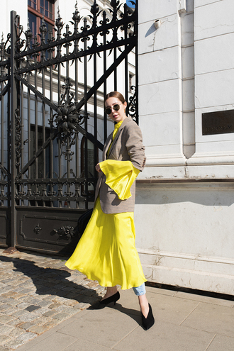 dress black shoes tumblr yellow yellow dress maxi dress denim jeans blue jeans shoes blazer grey blazer sunglasses