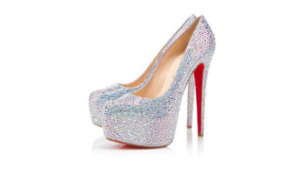 check out ceb18 ce23d Get the shoes for at eu.christianlouboutin.com - Wheretoget