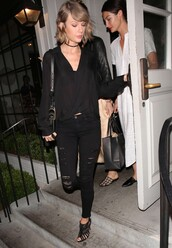 blouse,taylor swift,all black everything,sandals,jeans,black jeans,spring outfits,choker necklace,jewels,necklace,ripped jeans,jewelry,black choker,celebrity style,celebrity,celebstyle for less,black