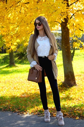 only my fashion style blogger blouse bag shoes fall outfits boots skinny jeans handbag brown bag beige jacket