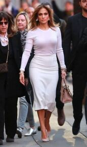 skirt,midi skirt,top,shoes,jennifer lopez