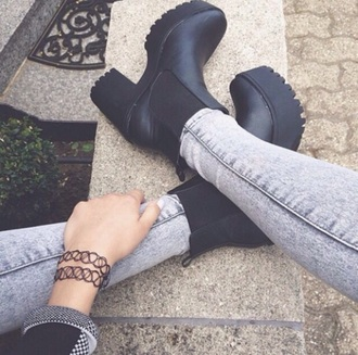 shoes boots black heels little black boots black shoes footwear fashion