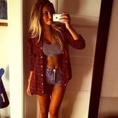 shirt,girl,red,blonde hair,beautiful,iphone,hot,buttons,shorts,bewbs