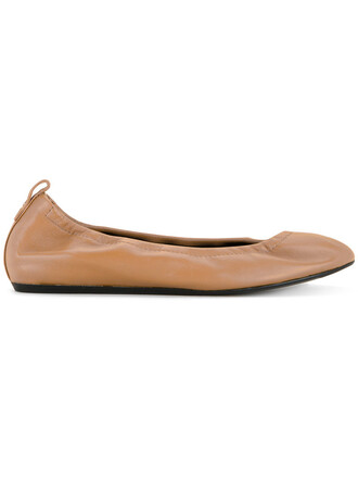women classic brown shoes
