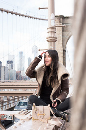 wendy's,lookbook,blogger,jacket,jeans,tights,socks,sunglasses,shoes,winter coat,winter outfits,shearling jacket,boots