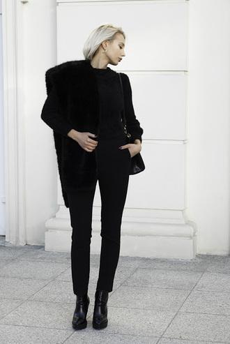 blogger sweater pants bag shoes fur scarf black pants
