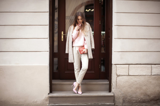 fashion agony blogger fuzzy coat pink sweater baby pink high heels