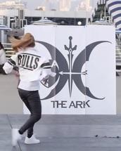 jacket,the ark,kpop,chicago bulls,dance,1966 1993,dress,blouse