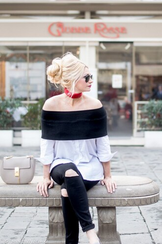 top nastygal off the shoulder button up ribbed black white long sleeves shirt trendy fashion blogger streetstyle ootd