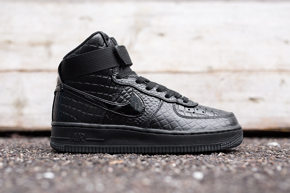 nike women's air force 1 premium black crocodile handbags made