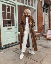 coat,faux fur coat,long coat,white pants,cropped pants,sneakers,white sneakers,white t-shirt