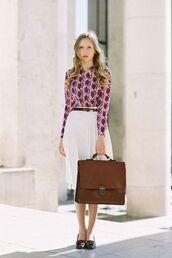 skirt,pink and purple print shirt,white pleated skirt,brown bag,black flats,black belt,blogger