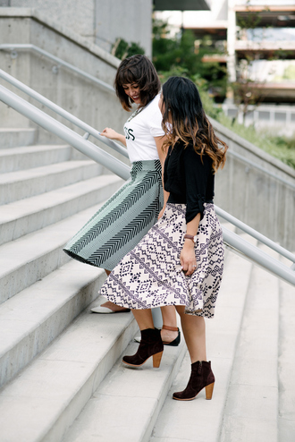 sandy a la mode blogger midi skirt patterned skirt spring spring skirt spring outfits aztec boots booties black jacket white top flats