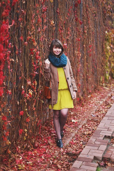 yellow dress kapuczina blogger bag jacket knitted scarf