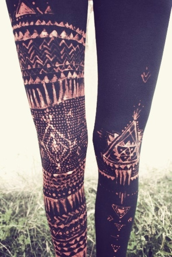 pants leggings hipster black pattern white brown winter outfits triangle leggings tribal pattern tribal print leggings tights aztec pattern printed leggings black leggings aztec leggings skinny pants grunge soft grunge vintage grunge indie indie