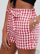 shorts,red checkered