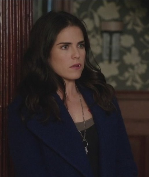 coat Karla Souza Laurel Castillo how to get away with murder royal blue