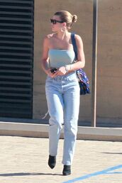 top,sofia richie,streetstyle,crop tops,jeans