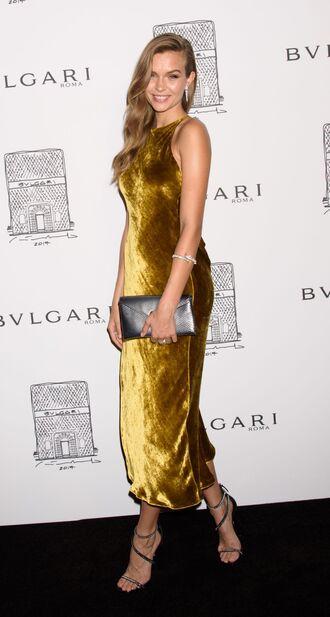 dress gown prom dress sandals midi dress model off-duty josephine skriver gold