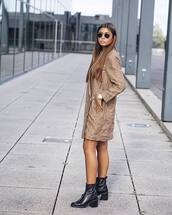 shoes,boots,heel boots,leather boots,blazer dress,sunglasses