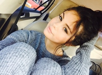 sweater jumper grey style make-up winter outfits warm selena gomez grey sweater sweatpants grey sweatpants