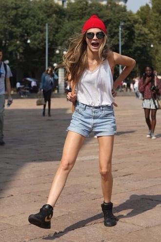 cara delevingne shoes deniem blue summer shorts cuffed shorts
