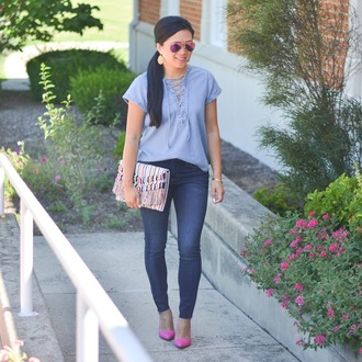morepiecesofme blogger sunglasses jewels bag top jeans shoes clutch blue top skinny jeans pumps pink heels