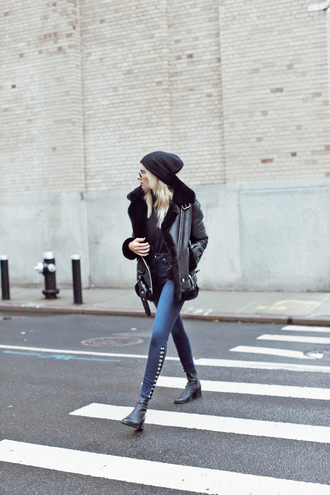 jeans tumblr blue jeans skinny jeans boots black boots ankle boots jacket shearling jacket shearling beanie