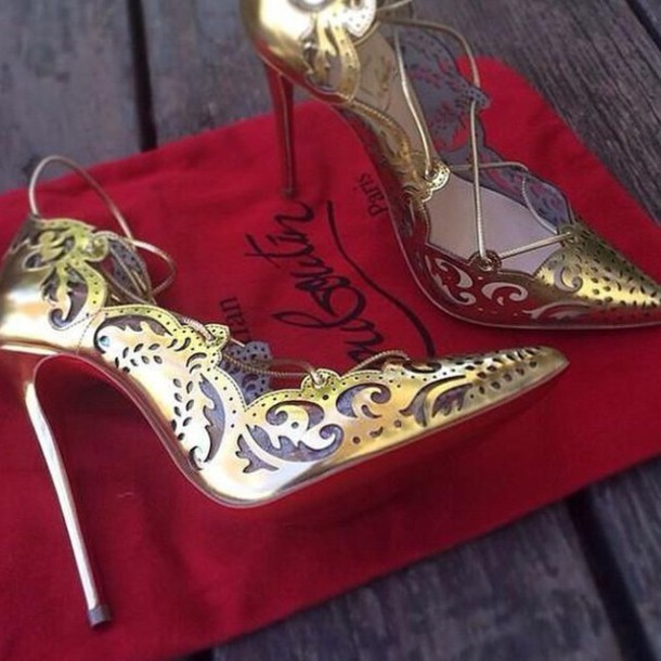 shoes louboutin loubs heels celebrity shoes boutiques fashionblogger