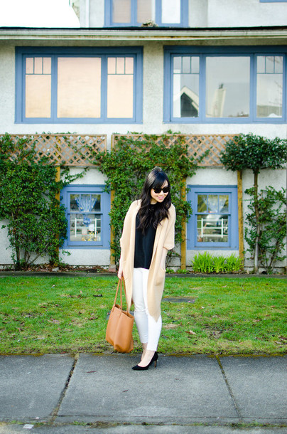 her waise voice bag blouse t-shirt jeans shoes jewels sunglasses
