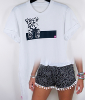 t-shirt,shorts,white,black,crewneck,bracelets,rolled sleeves,casual,london style,chillin,603279,pink,black and white,fresh white