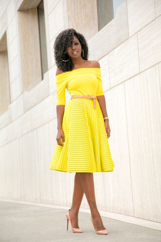 blogger yellow top yellow skirt midi skirt off the shoulder top