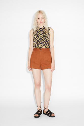 shorts orange 70s style