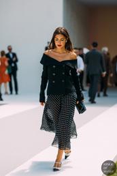 skirt,maxi skirt,buttons,black shirt,bag,polka dots