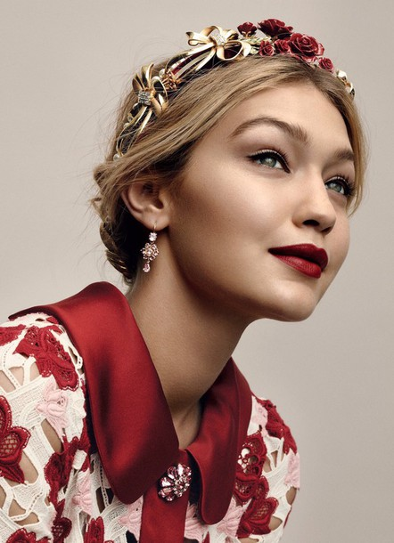hair accessory gigi hadid model celebrity hairstyles top lace top floral top red lipstick make-up eye makeup earrings flower headband