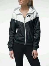 jacket,nike windrunner women 2013,coat,nike jacket,nike,white,black,windbreaker,cute,black and white xs women's windbreaker,black and white,nike rain jacket,sweater,nike sweater,zipup,nike windrunner