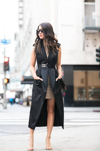 wendy's lookbook blogger dress bag sunglasses jewels waist belt black coat sleeveless coat beige skirt nude