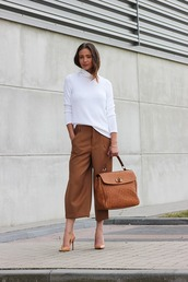 mode d'amour,blogger,white sweater,rust,cropped pants,satchel bag,nude high heels