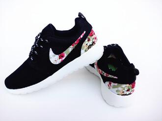 shoes nike roshe run floral black nike roshe run floral