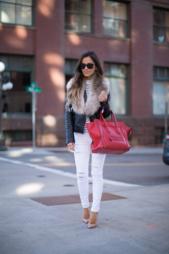 maria vizuete mia mia mine blogger red bag designer bag faux fur jacket white ripped jeans